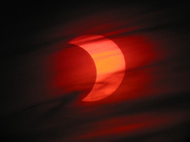 Eine partielle Sonnenfinsternis