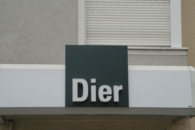 Fußboden Dier Trier ~ Peki werbetechnik projekte dier fußboden mit neuer leuchtreklame